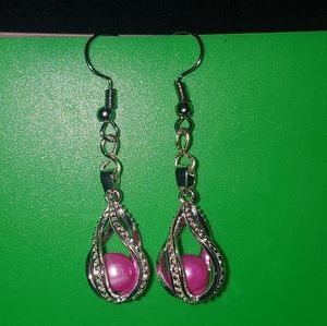 Silver drop earrings with freshwater pearl